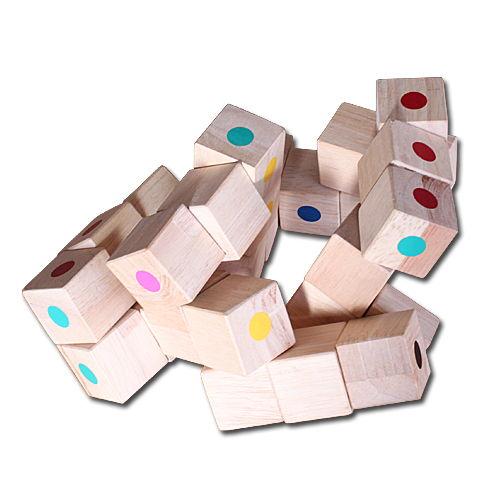 アイアイファミリー 日本製 木のおもちゃ「カラースネークキューブ」